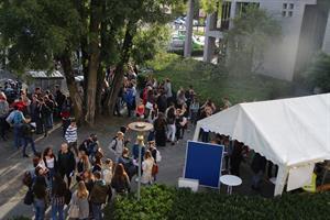 1.300 Jugendliche informierten sich über viele verschiedene Studiengänge – Tag der Studienorientierung des Rheinisch-Bergischen Kreises zentraler Baustein im Übergangsmanagement